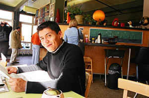 Photo: Man in coffee shop