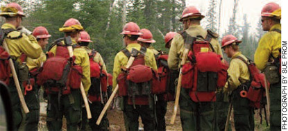 A firefighting crew gathers at the Ham Lake fire in Minnesota in 2007.